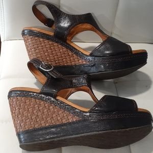 Naya open toe brown wedge sandals size 11m